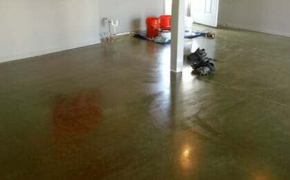 application of epoxy primer for garage floor