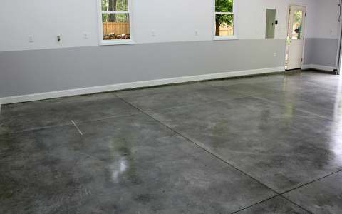 Does Epoxy Acrylic Concrete And Garage Floor Paint Have Fumes