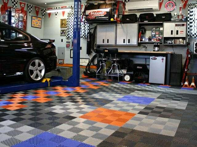 Free-Flow RaceDeck interlocking garage floor tile