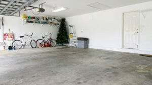 Why Your Garage Floor is Dusting and How to Stop it