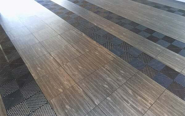 black-oak-vinyltrax-black-ribtrax-garage-flooring